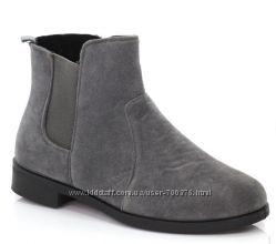 Ботинки утепленные с резинками, черные и серые