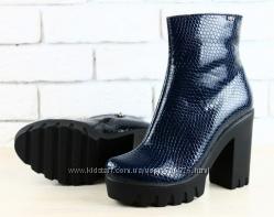 Ботинки кожаные под кожу питона, синие