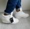 Сникерсы белые на шнуровке, под кожу питона