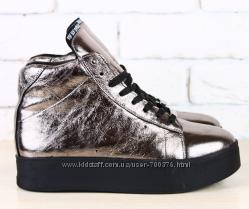 Ботинки зимние кожаные, на шнурках, внутри мех