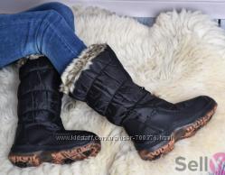 Сапоги - дутики черные с мехом