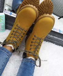 Ботинки зимние на меху в стиле тимберленд