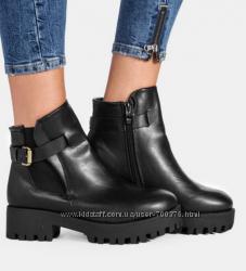 Ботинки демисезон на тракторной подошве, черные