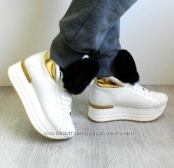 Ботинки кожаные белые на утолщенной подошве