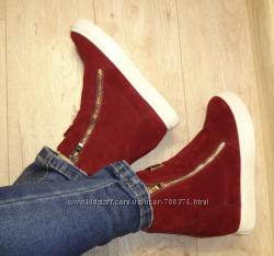 Ботинки - сникерсы утепленные, красные