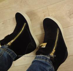Ботинки - сникерсы утепленные, черные
