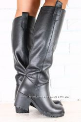Сапоги кожаные на широком устойчивом каблуке