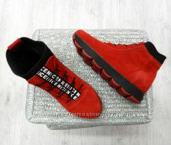 Ботинки замшевые зимние красные