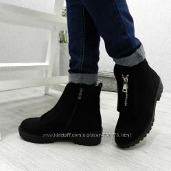 Ботинки зимние с декоративной молнией