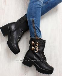 Ботинки на удобном каблуке, с ремешками, 3 цвета