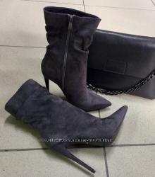 Ботинки на шпильке серые