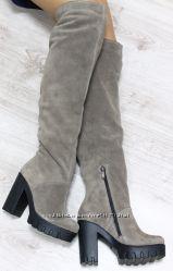 Сапоги - ботфорты зимние замшевые на удобном каблуке, темный беж