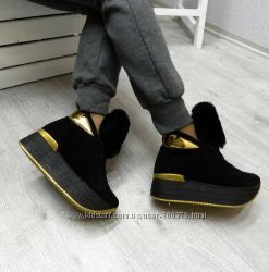 Ботинки черные замшевые на утолщенной подошве