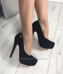 Туфли черные, красная подошва