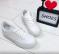 Кроссовки белые стильные и практичные