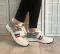 Кроссовки бело - серые практичные