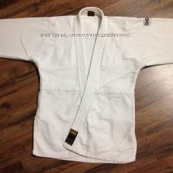 Кимоно кофта очень плотное р. 130, сост отличн. 035