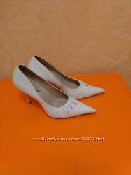 Продам кожаные свадебные туфли в хорошем состоянии