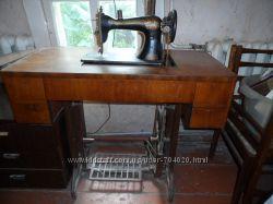 Продам раритетную ножную швейную машину Госшвеймашина Зингер