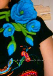 Украшение из войлока с цветами