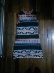 Теплое платье с орнаментом