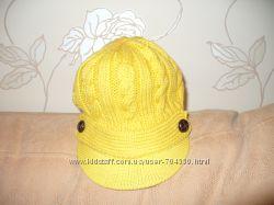 Вязаная шапочка в жоккейском стиле