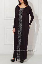 Платье с гипюрной вставкой
