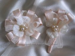 Свадебные бутоньерки, цветок на руку, бутоньерка жениха, браслеты подружкам