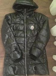 Стильная курточка Moncler р. М