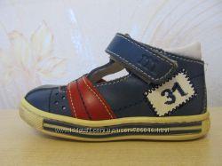 Продам туфли-сандалии на мальчика, весна, лето Melania Италия 20р-р