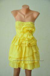 Платье коктейльное желтого цвета из тафты