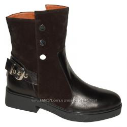 Замшевые сапоги с кожаным носочком и пяткой