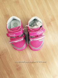 Кроссовочки для девочки новые Chicco, одежда
