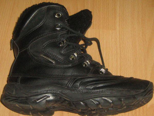 Зимние черные ботинки 38 размера бу