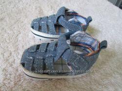 Обувка для самих маленьких