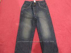 Продам джинсы на мальчика на 4-5 лет
