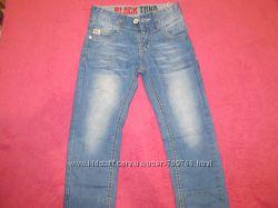 Продам джинсы на мальчика 4-5 лет