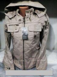 Женская молодежная куртка, размер S. Супер качество