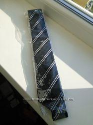 Стильный чёрный галстук