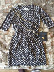 bc805f6b252 Красивое платье с интересным принтом 42-44