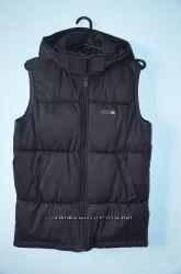 Распродажа  Жилет фирмы Adidas оригинал размер М