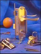 Врезка замков, ремонт, фурнитура, входные двери