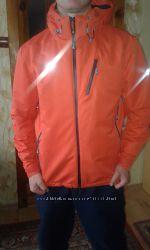 Курточка 4F