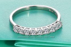 кольцо 9 цирконов серебро 925 размер 17. 5  с родиевым покрытием
