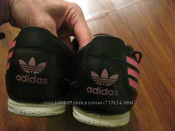 Кроссовки кожа кожаные Adidas почти как новые