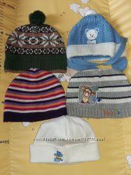 Фирменные шапки на год