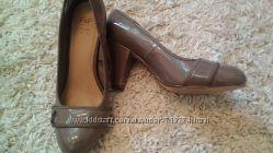 Классные лаковые туфли 39р. Фирма F&F