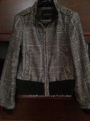 Класна стильна куртка ZARA