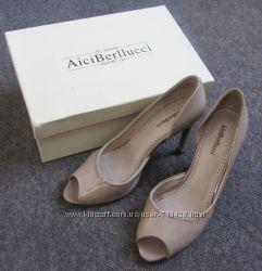 Женские туфли AiciBerllucci