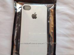 Чехлы на IPhone 4 4s   дешево . В черном и белом цвете .